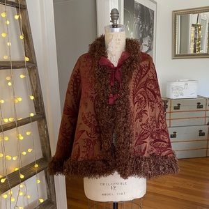 NWOT-Cranberry and taupe brocade cape